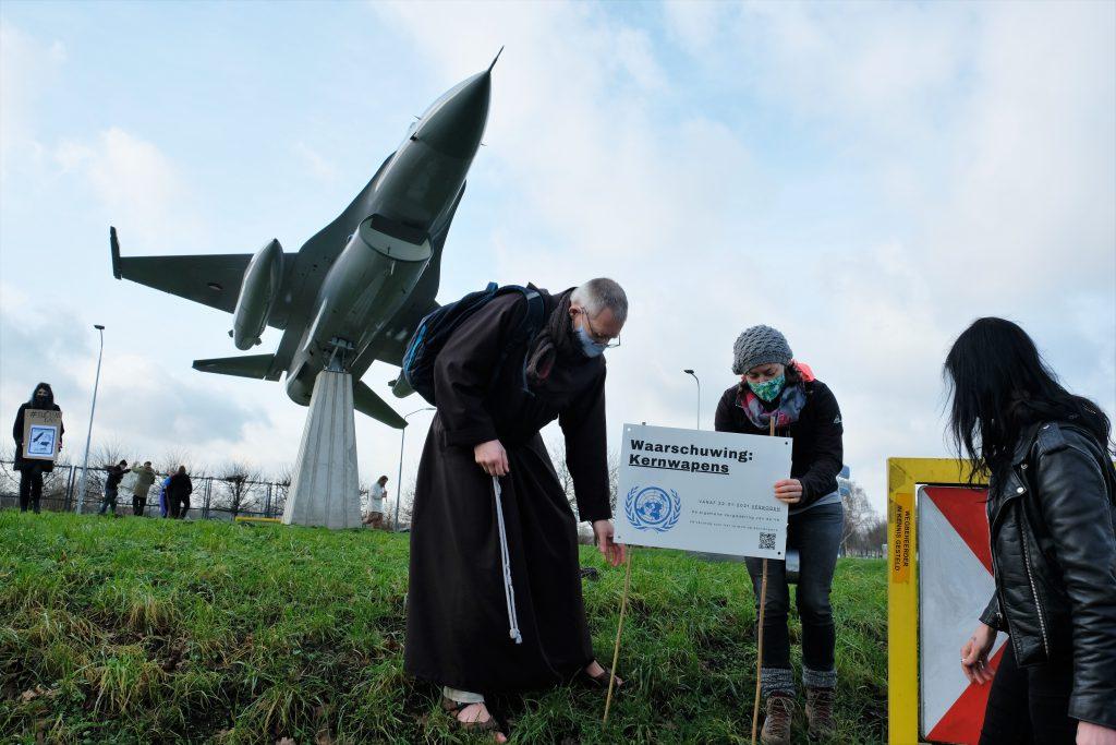 Protest tegen kernwapens op Volkel