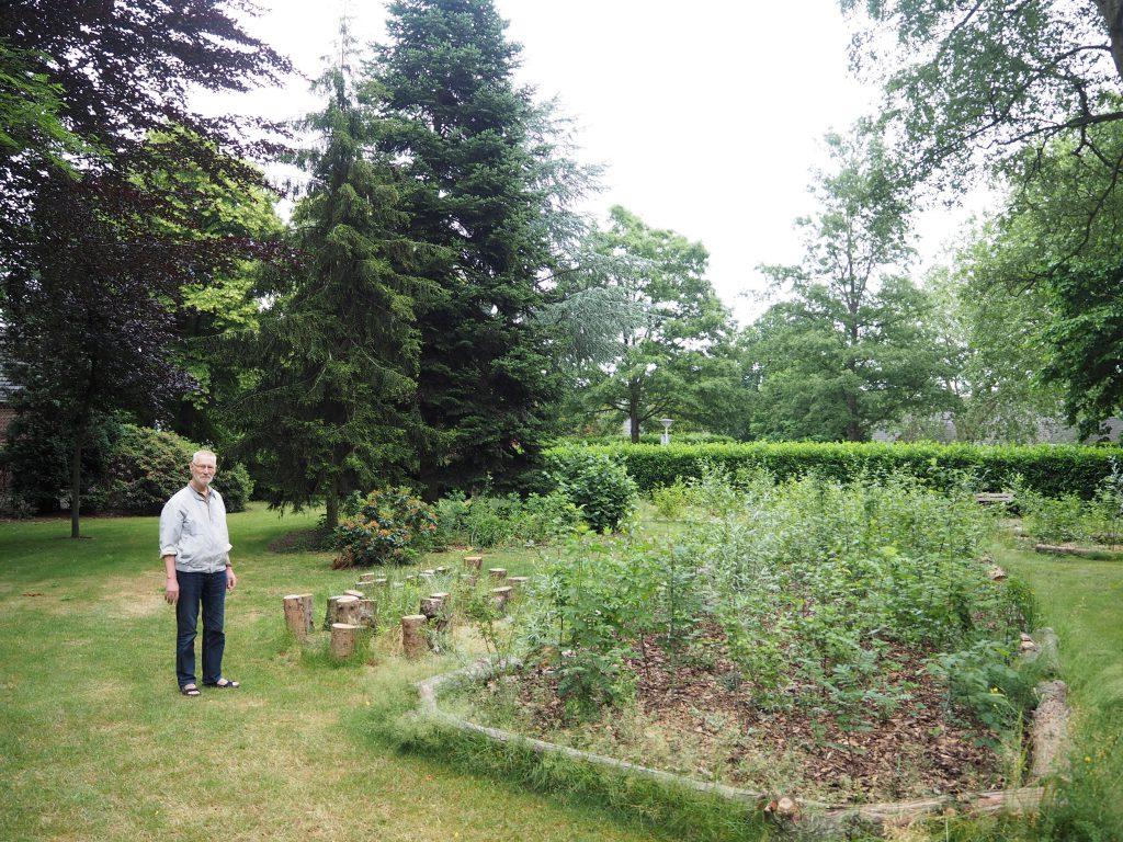 Bram Hommel in tuin