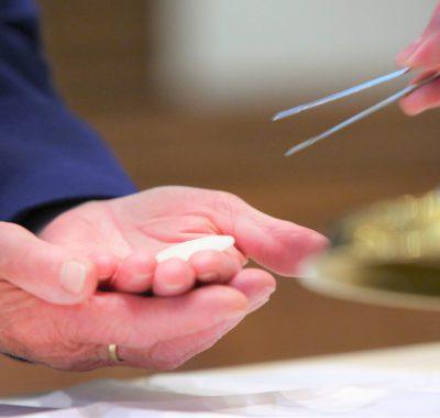 Nederlandse bisschoppen laten anderhalve meter los bij kerkdiensten